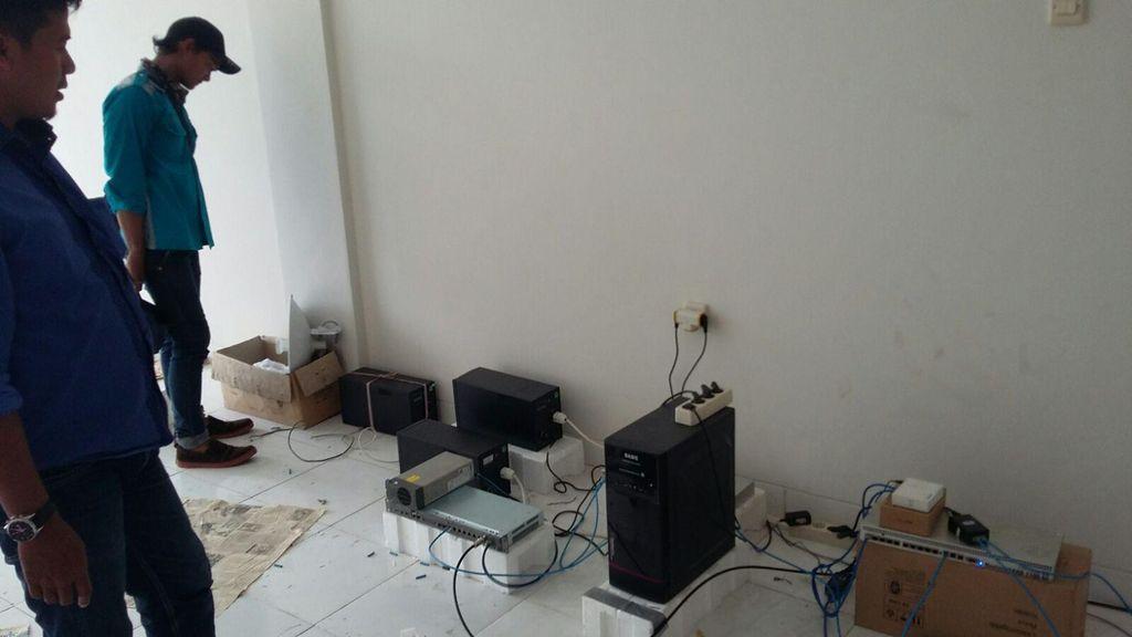 Polda Sita Server Sindikat Cyber Fraud Jaringan China di Bekasi dan Tangerang