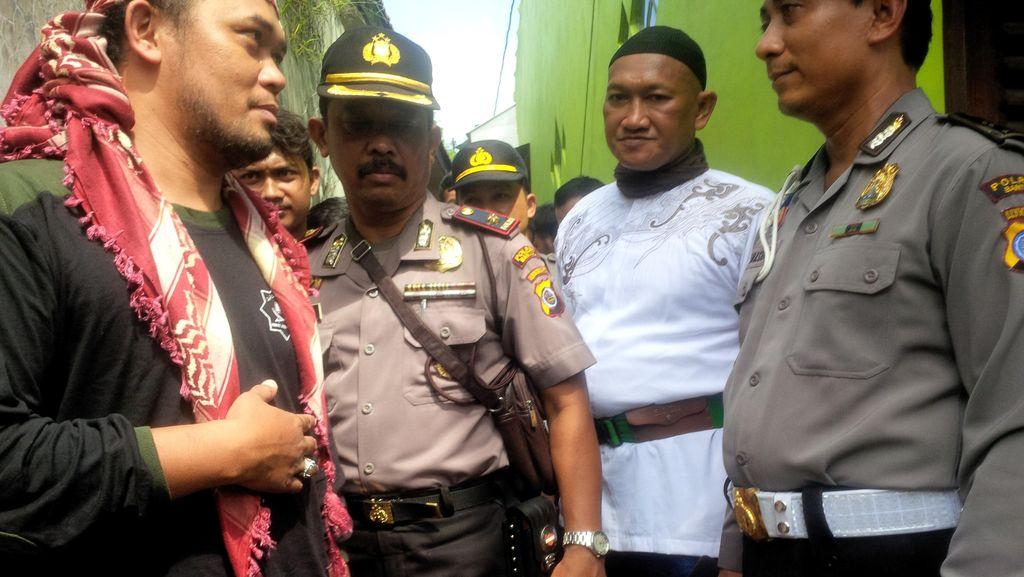 Anggota Front Jihad Islam Sambangi Ponpes Waria di Bantul, Polisi Siaga