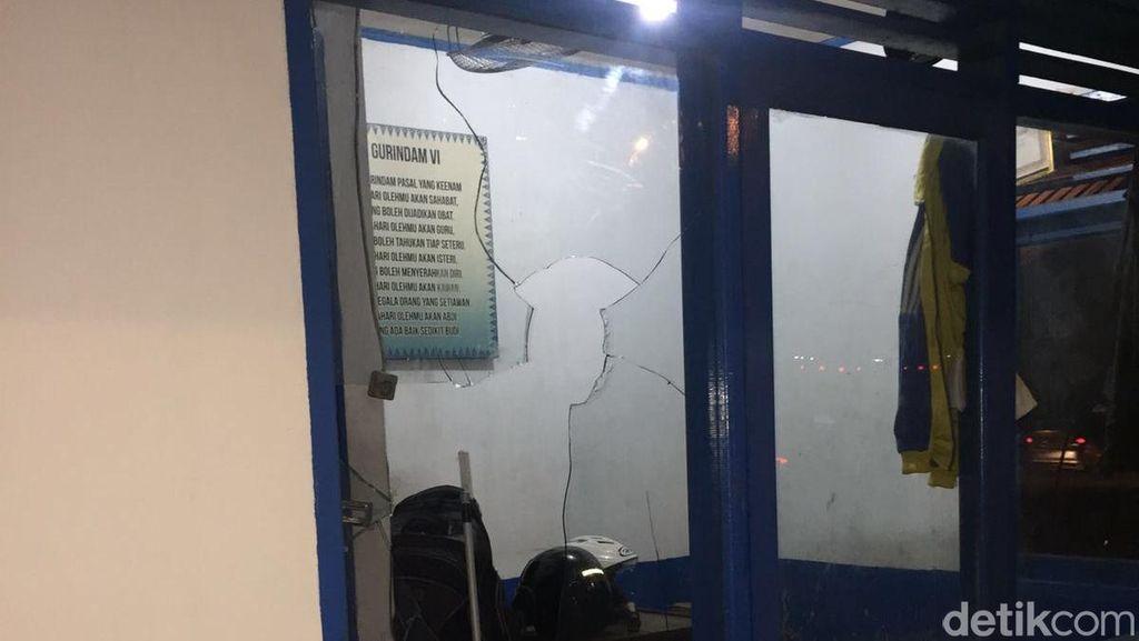 Pos Polantas di Pekanbaru Dihancurkan Sekelompok Pria