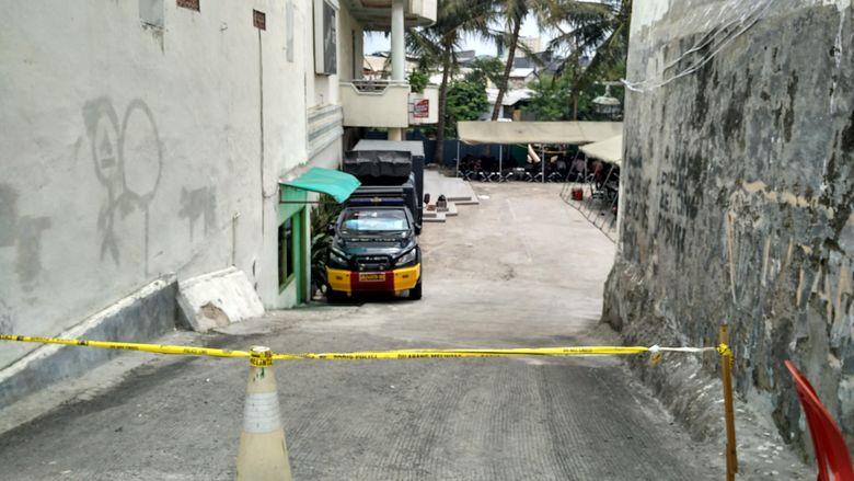 Pemilik Wisma di Kalijodo Angkut Perabotan, Kafe Daeng Aziz Digaris Polisi