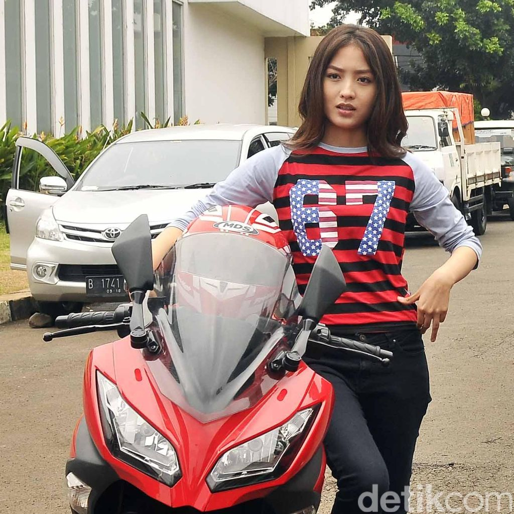 Natasha Wilona Tak Merasa Kehilangan Masa Remaja