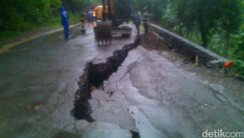 Jalur Tengah Banyumas Ambles, Akses Menuju Yogyakarta Ditutup