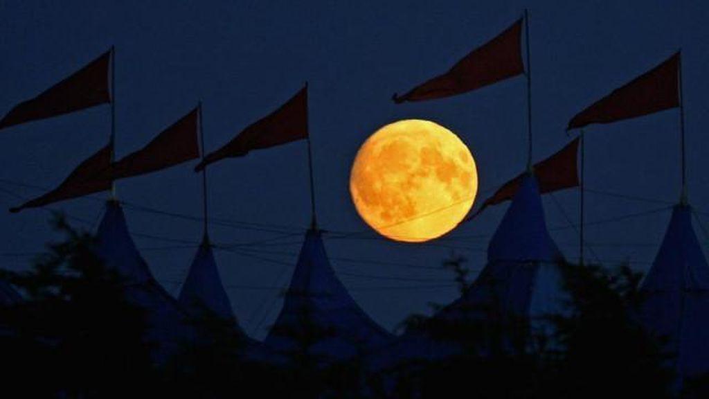 Astronot Mengaku Mendengar Musik Misterius di Bulan