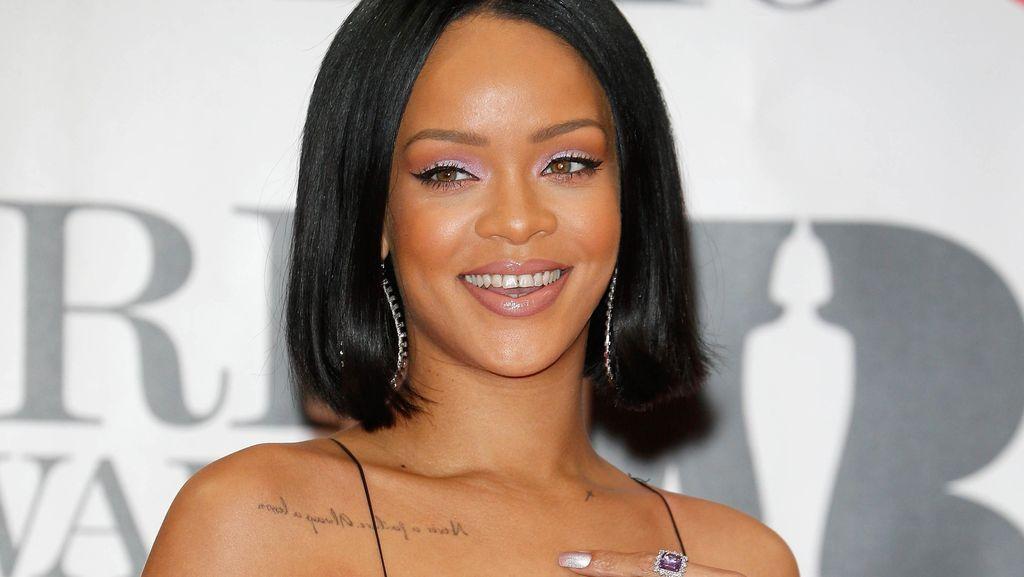 Bergaya Hidup Sehat, Rihanna Dikabarkan Hamil