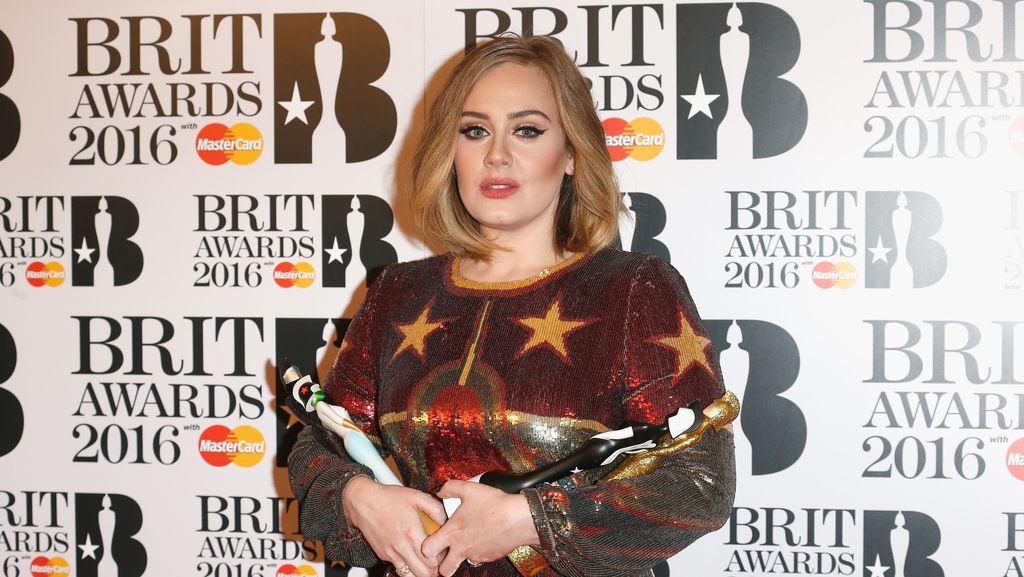 Pembalasan Dendam Adele di BRIT Awards 2016