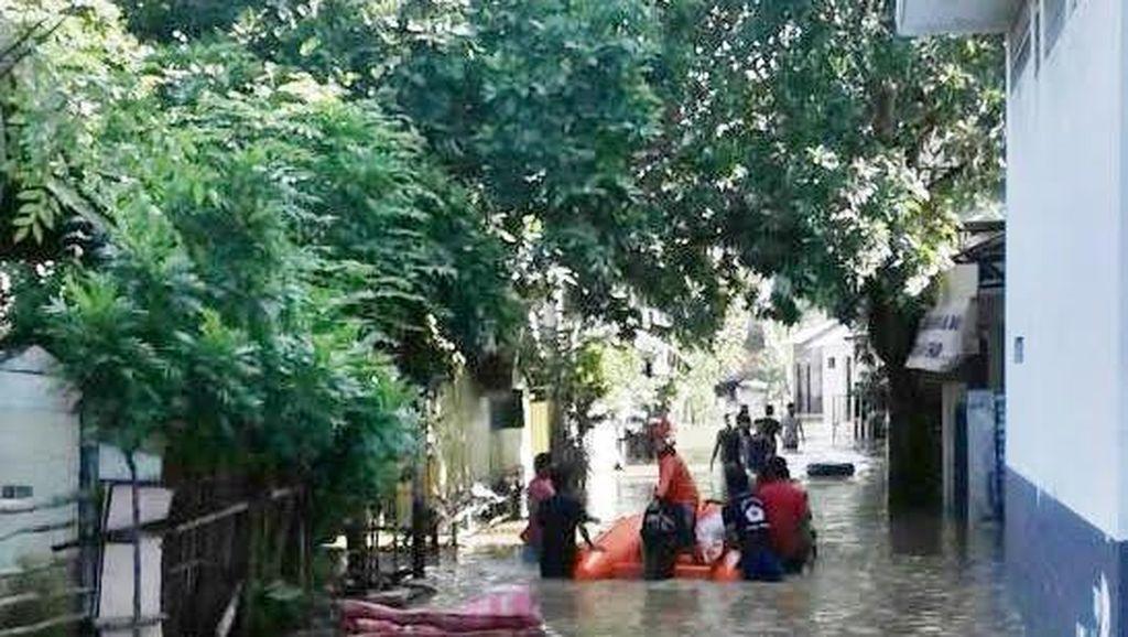 Hari ke-4, Banjir di Pusat Perdagangan Kota Sampang Belum Surut
