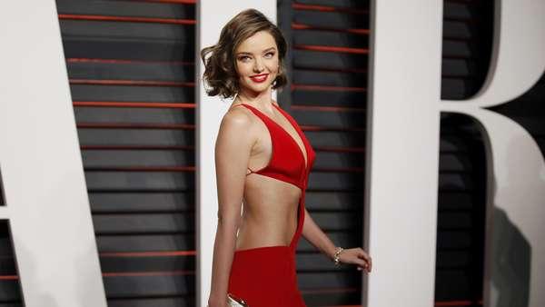Miranda Kerr, Hot in Red!