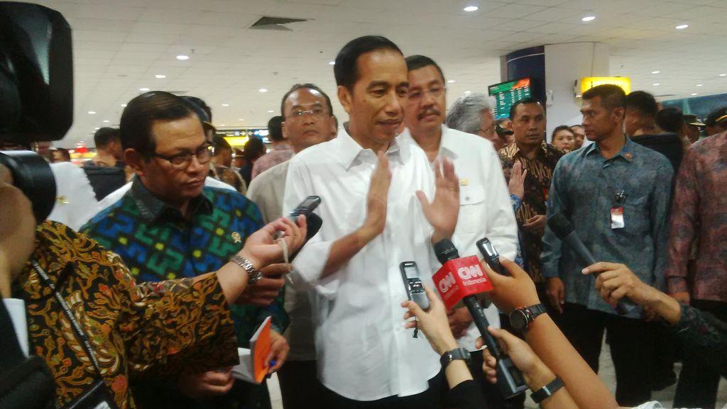 Jokowi Minta Masyarakat Hanya Cari Info yang Resmi Soal Gempa