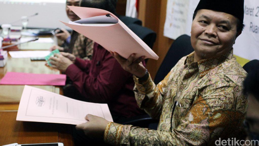Ahok Gugat Cuti Kampanye, HNW: Orang Curiga Jangan-jangan Mau Pakai APBD