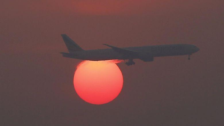 Ada Asap di Kokpit, Pesawat Emirates Mendarat Darurat di Mumbai