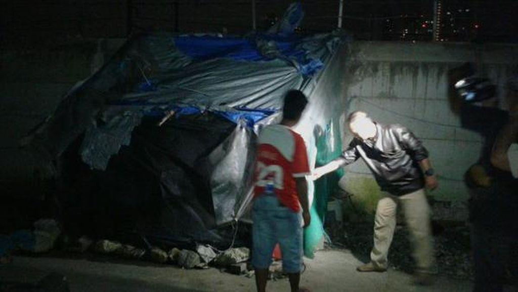 Aparat Hancurkan 30 Bangunan Liar di Bongkaran Tanah Abang, 1 PSK Diciduk