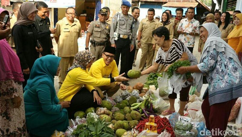 Sidak Pasar Tradisional, Bupati Anas Malah Diserbu Pedagang Pasar Muncar