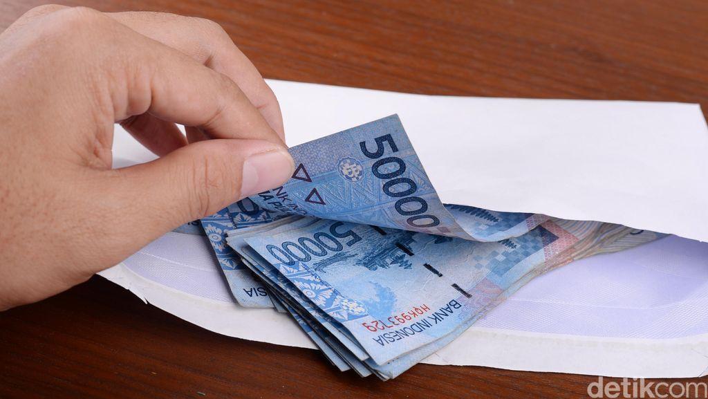 Begini Modus Bapak, Anak dan Adik Korupsi Dana Hibah Rp 1 Miliar