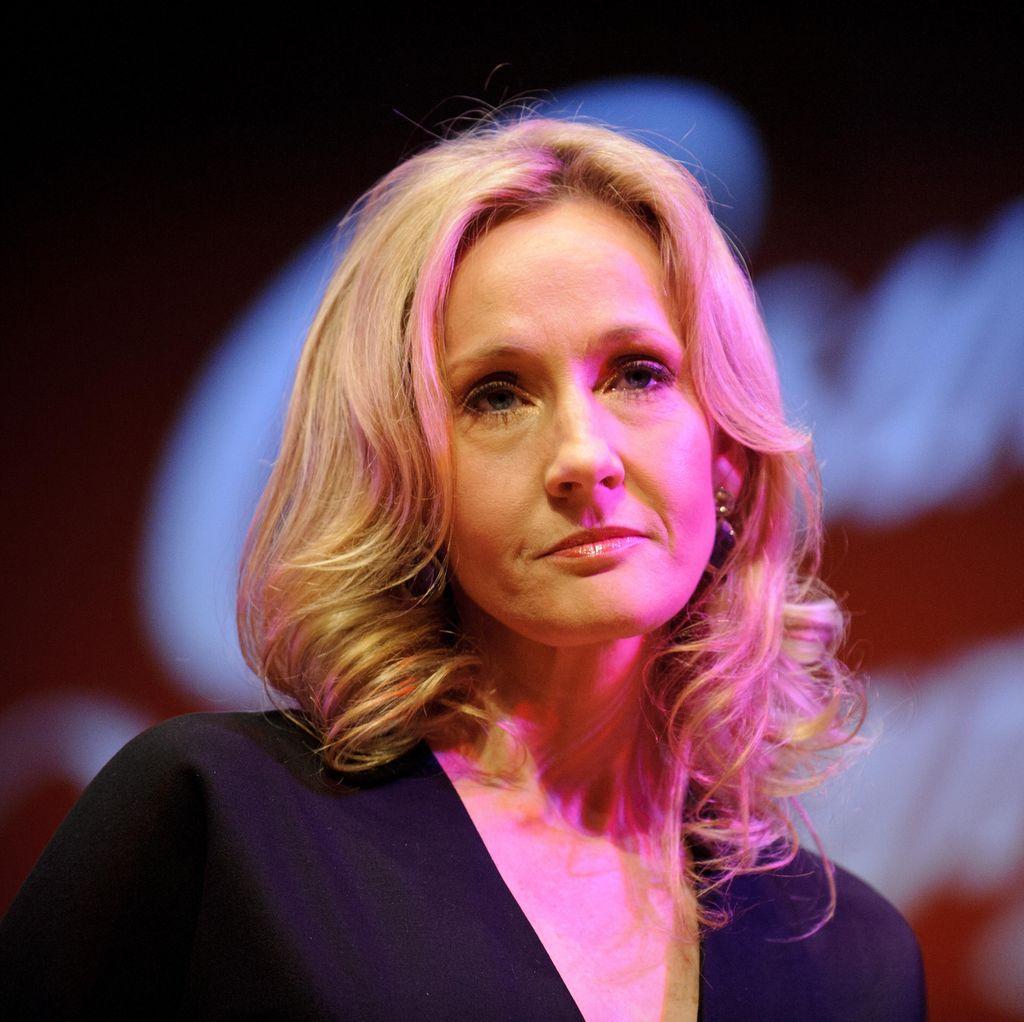 EL James dan J.K Rowling Masuk Daftar Penulis Berpengaruh di Hollywood