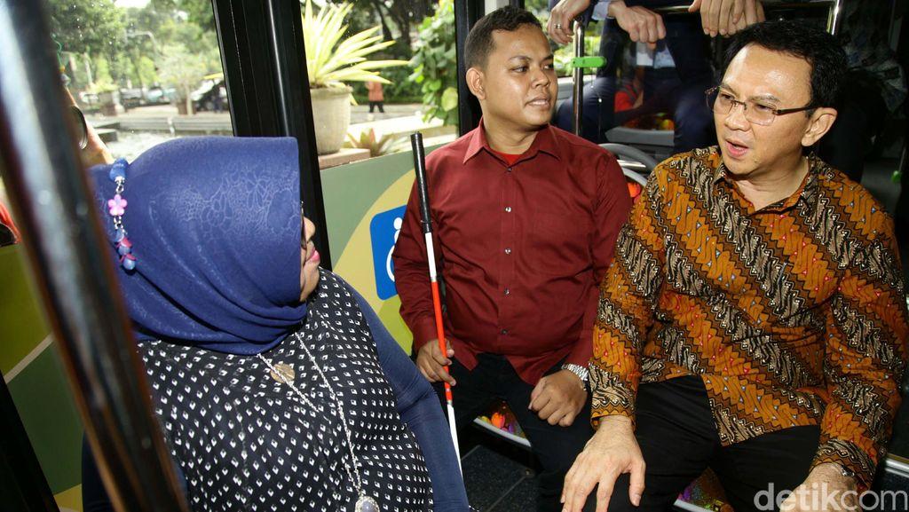 Coba Bus Baru, Ahok: Jangan Takut Pelecehan, Yang Cantik Naik Bus Saja!
