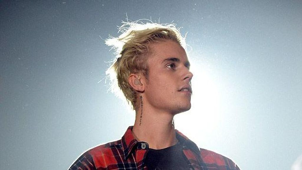 Justin Bieber Akui Mabuk Saat Manggung di Inggris