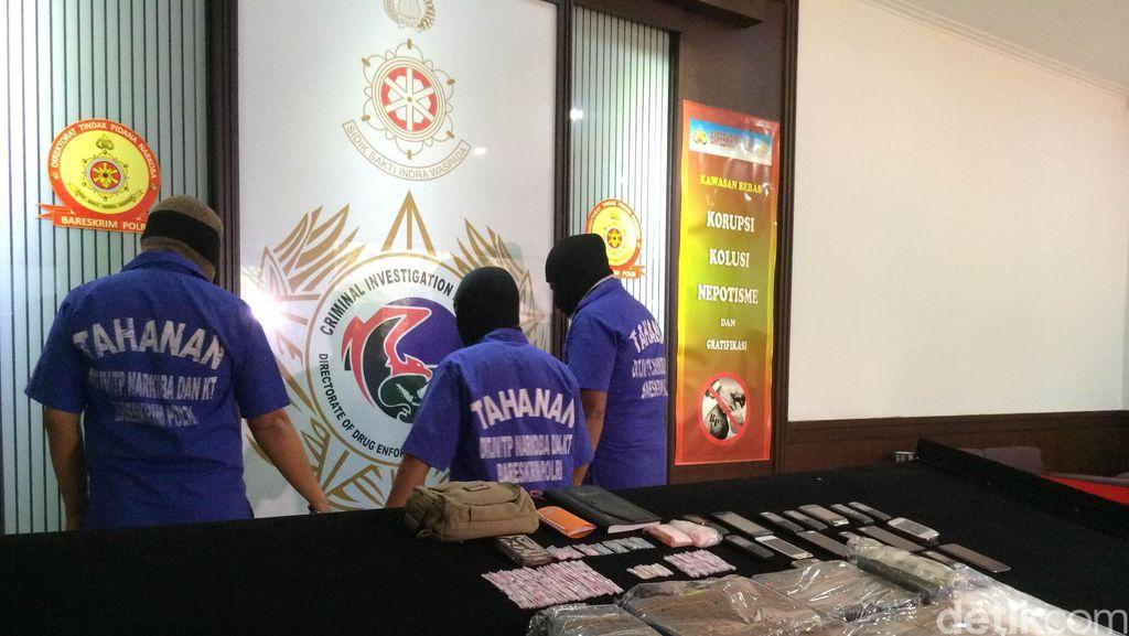 Napi Sindikat Narkoba Leon di LP Kerobokan Bertransaksi Lewat SMS Banking