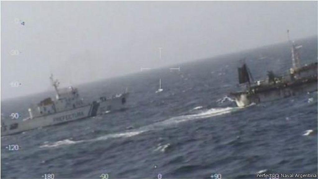 Argentina Tenggelamkan Kapal China yang Dituduh Mencuri Ikan