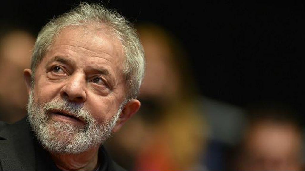 Jadi Kepala Staf Presiden Roussef, Eks Presiden Lula Tak  Bisa Diadili Hakim Federal