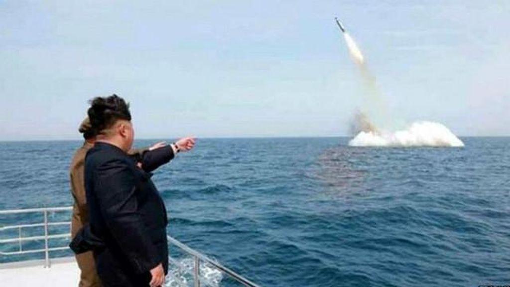 Indonesia Risaukan Uji Coba Misil Kapal Selam Korea Utara