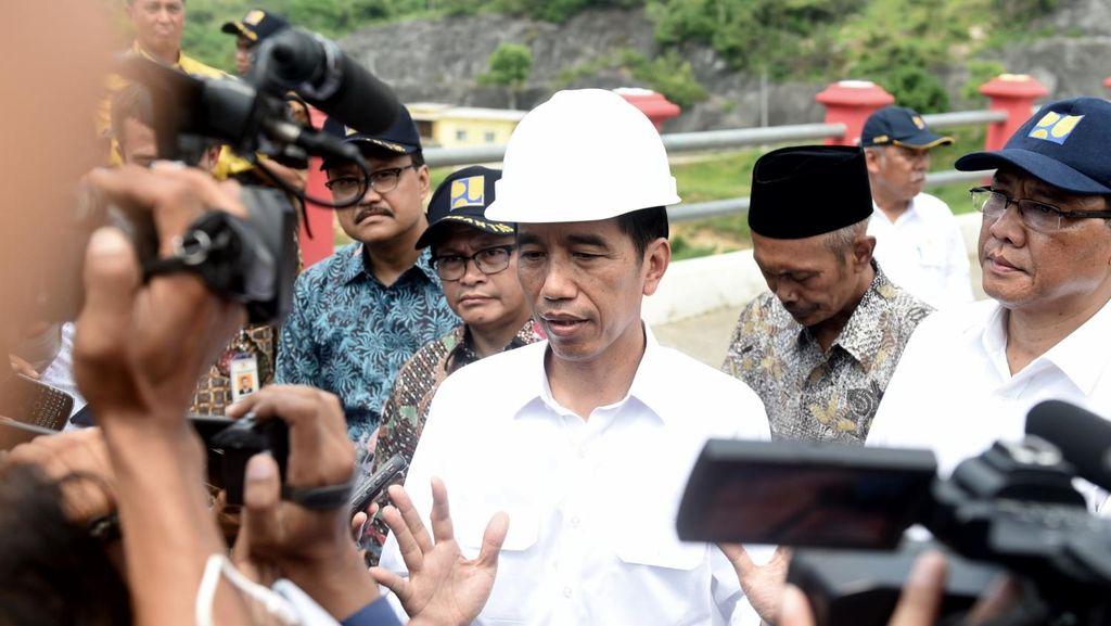Jokowi: Jalan Lintas Batas Sabah-Serawak Selesai 2019