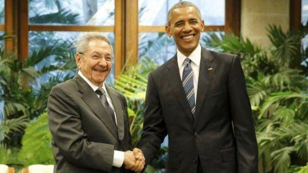 Obama Bertemu Raul Castro dalam Kunjungan Bersejarah ke Kuba