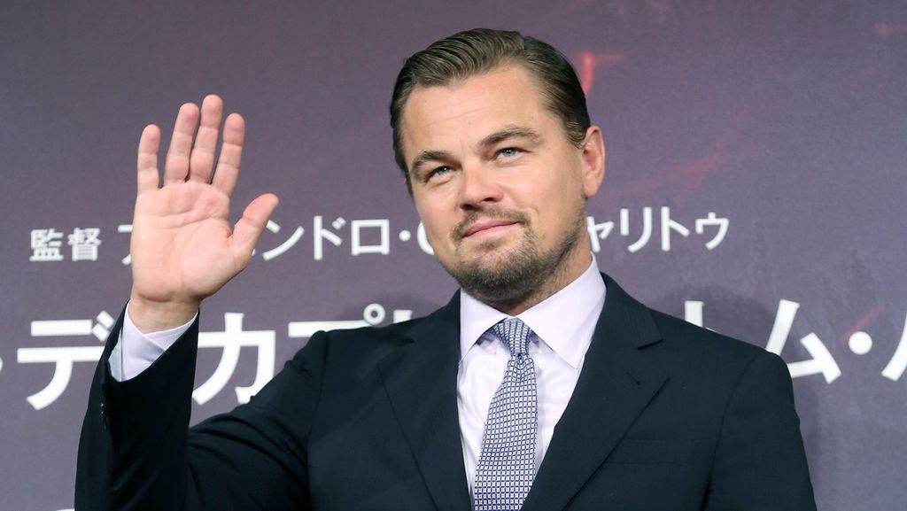 Leonardo DiCaprio Kembali Kepergok Ciuman dengan Model di Malibu
