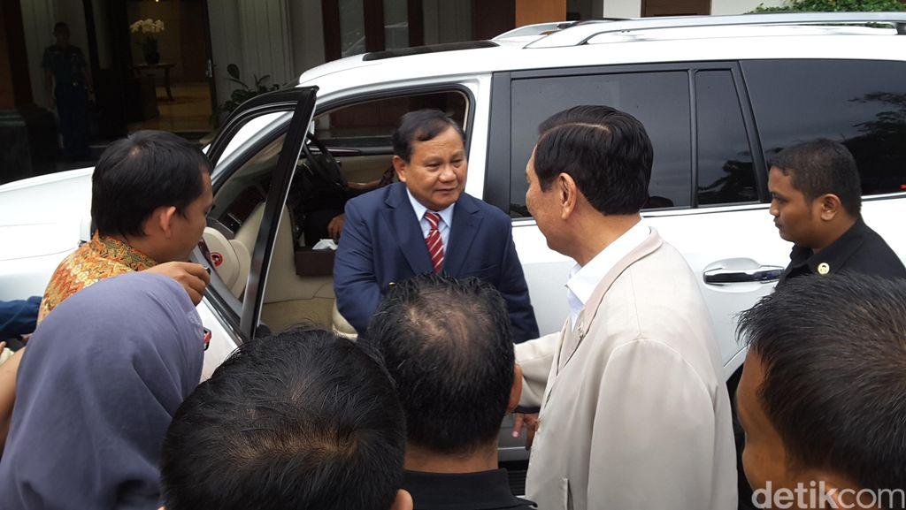 Ditemui Prabowo, Luhut: Dia Teman Baik Saya, Tak Ada Bicara Politik