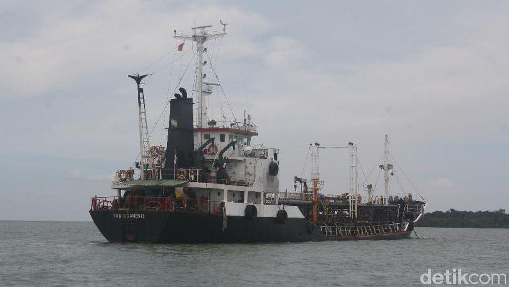 Hendak Jual Muatan BBM ke Luar Negeri, Kapal Tanker Ditangkap di Kepri