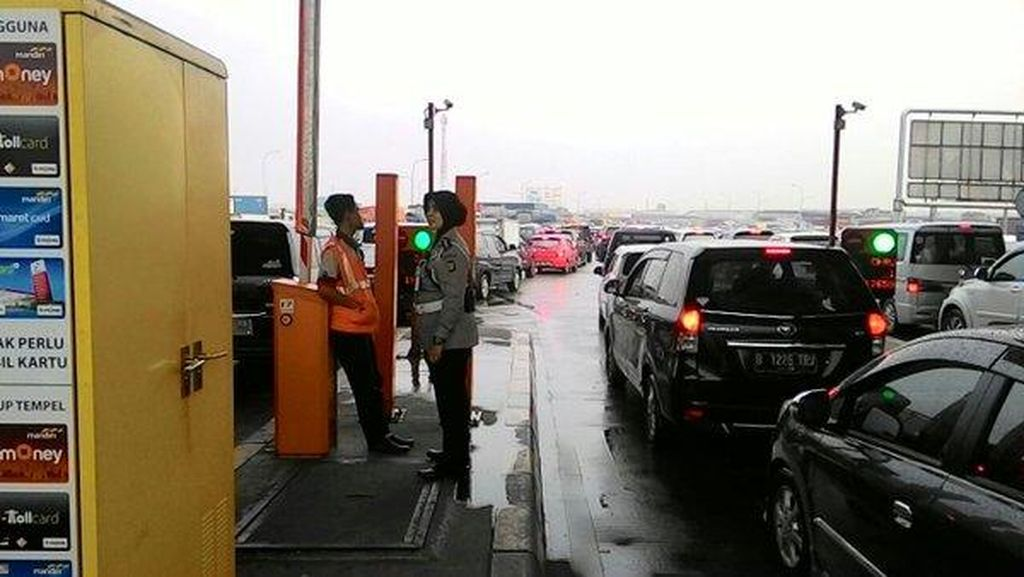 Antisipasi Macet Panjang Long Weekend, Kemenhub Tambah Gardu Tol