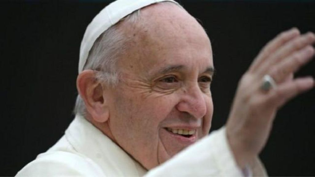 Paus Fransiskus: Umat Kristen Harus Minta Maaf pada Kaum Gay