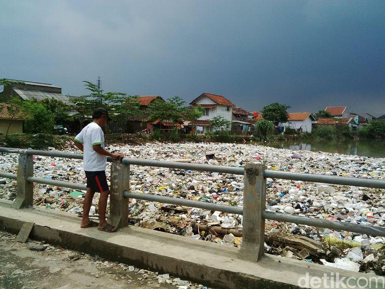 Horor Sampah di Cikapundung Belum Juga Berakhir, Begini Penampakannya Hari ini