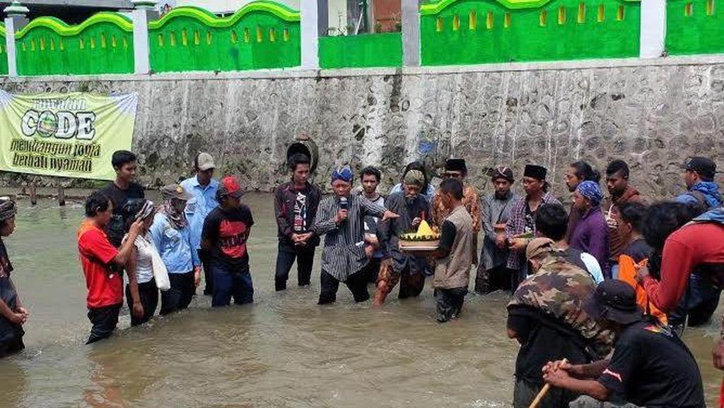 Ruwatan Sungai Code, Cara Warga Berdoa untuk Keselarasan Alam di Yogyakarta