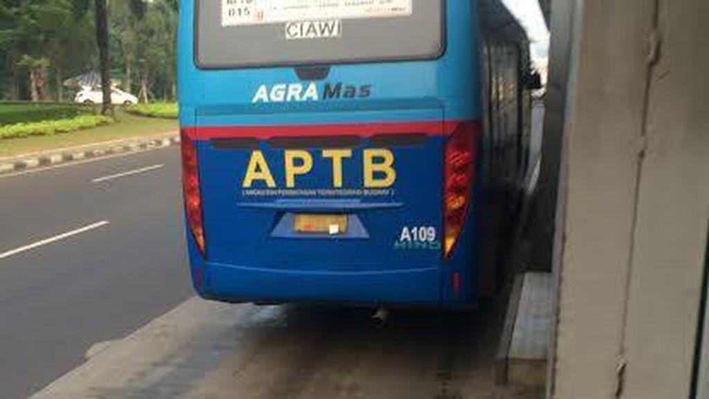 Dishub DKI: Hari Ini APTB Resmi Tidak Boleh Masuk Jalur TransJakarta