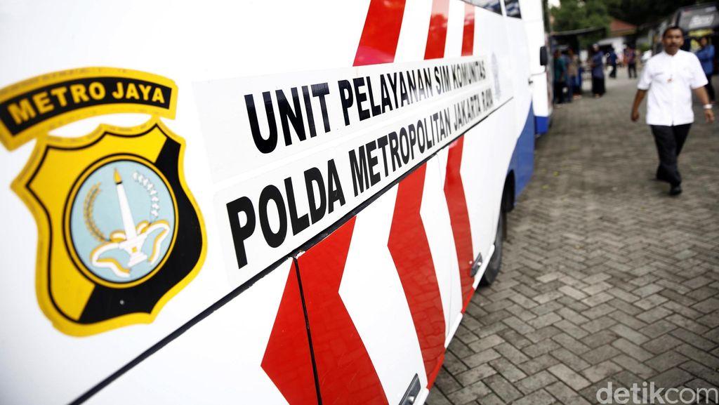 Polda Metro Pastikan Tak Kehabisan Material SIM untuk Jakarta