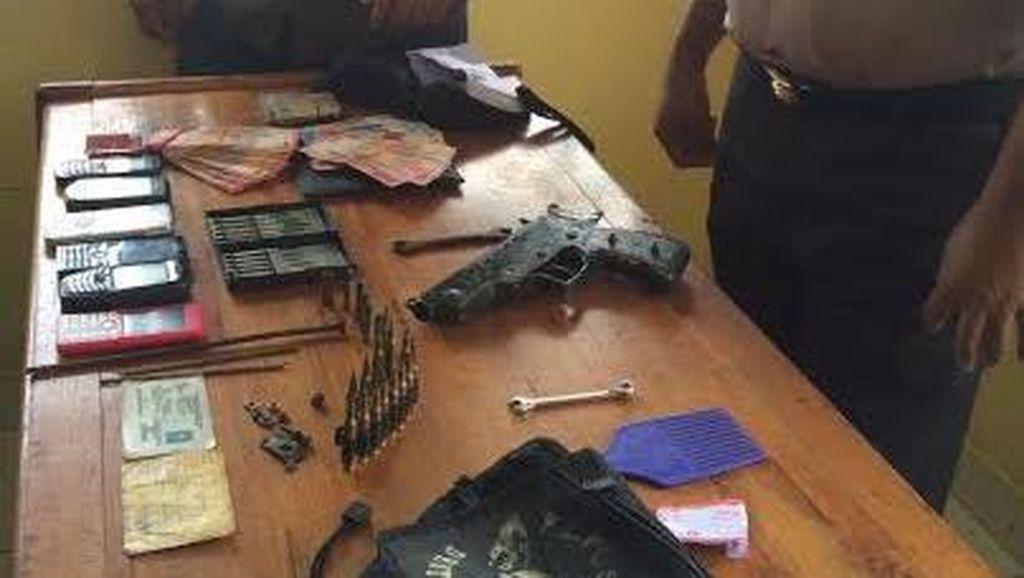 Bawa Senjata Rakitan, Penumpang Lion Air Diamankan Petugas Bandara Sentani