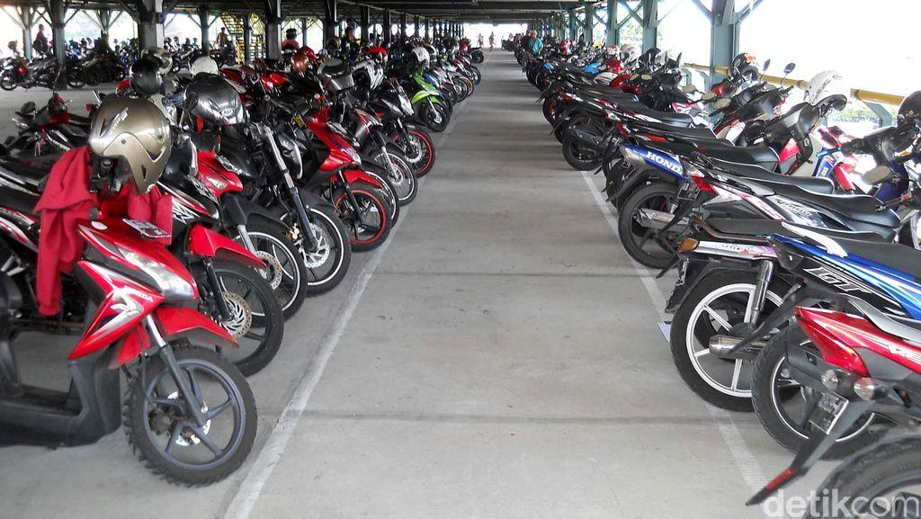 Sudah Mendapat Fasilitas Parkir Gratis, Masih Dikenakan Biaya