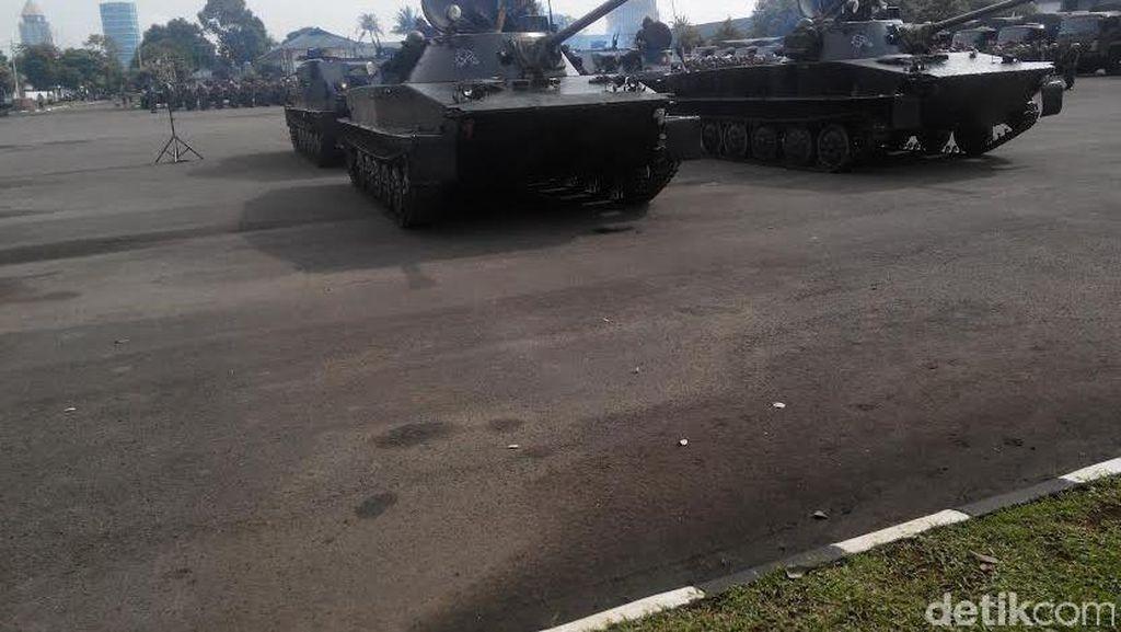 Melihat Aksi Marinir dengan Tank di Mako Cilandak