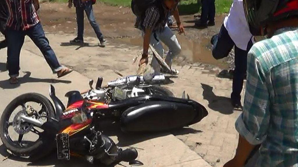2 Kelompok Mahasiswa di Makassar Bentrok karena Beda Sikap Penertiban PKL