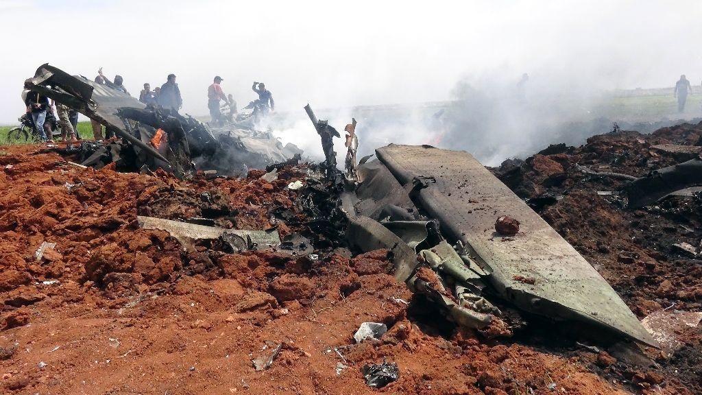 Pesawat Tempur Suriah Ditembak Jatuh Pemberontak, Pilot Disekap