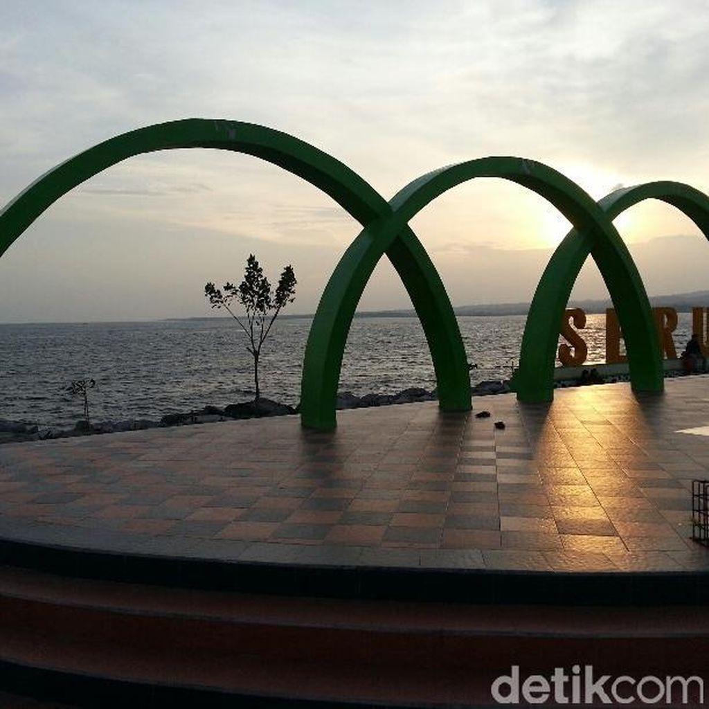 Melihat Pantai Seruni Bantaeng: Kawasan Reklamasi yang Jadi Favorit Wista