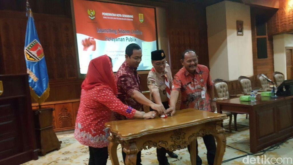 Pemkot Semarang Mudahkan Pengajuan Izin Pendirian Bangunan Via Smartphone