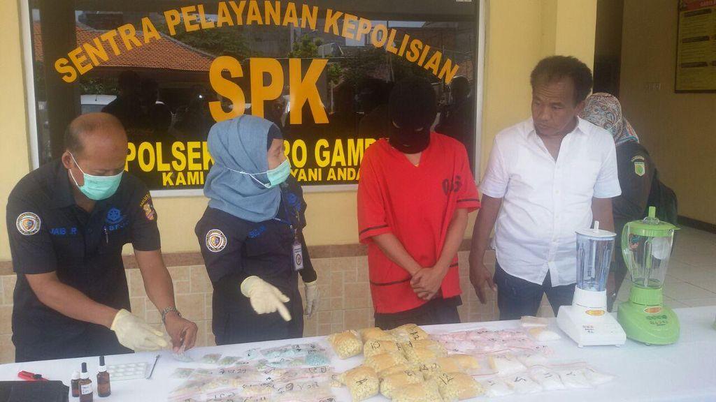 Gerebek Kosan di Mampang, Polisi Temukan 12 Ribuan Butir Ekstasi