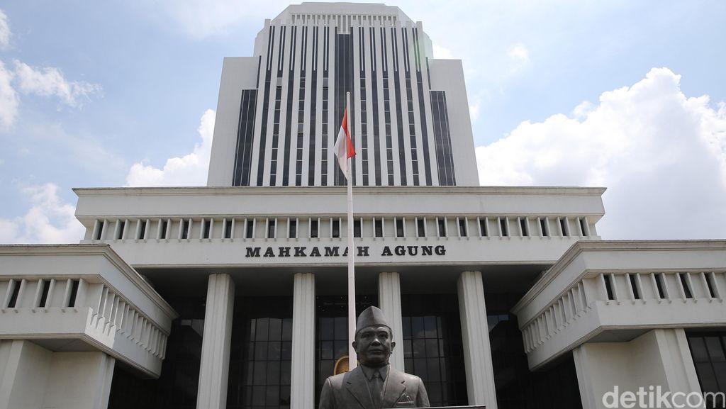 Paket Reformasi Hukum Jokowi dan Cerita Korupsi MA dari Masa ke Masa