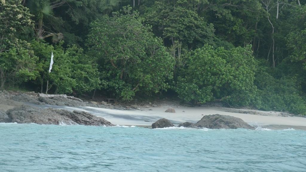 3 Santri yang Terseret Ombak Pantai Wedi Ombo Gunungkidul Ditemukan Tewas