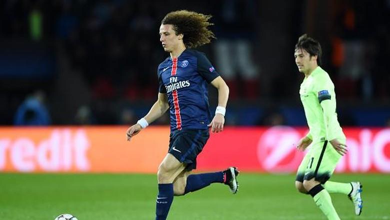 David Luiz Positif Di Tempatkan Sebagai Bek Tengah