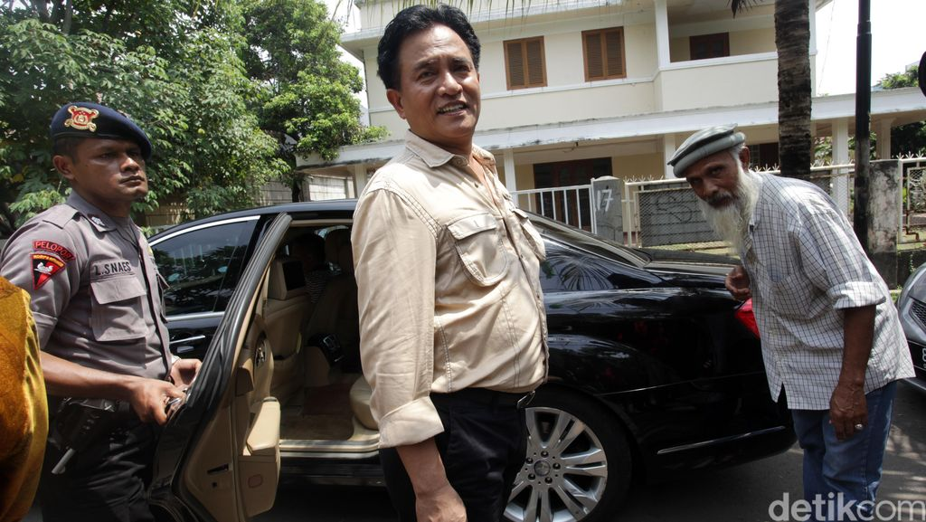 Ahok Klaim Direstui Mega, Yusril: Ada Jokowi di Belakangnya