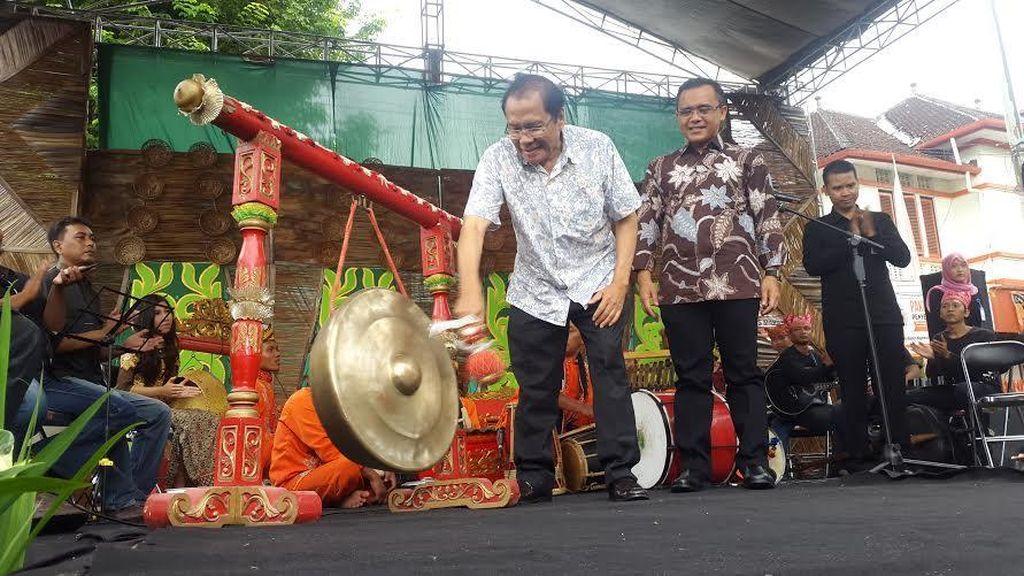 Rizal Ramli Buka Meriahnya Festival Sego Cawuk di Banyuwangi