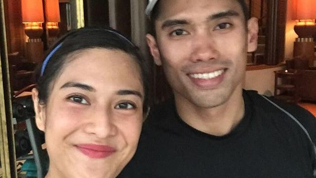 Olahraga Bikin Dian Sastro dan Suami Makin Mesra