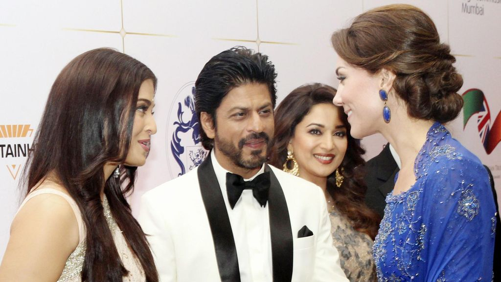 Shah Rukh Khan dan Aishwarya Rai Ngobrol Bareng William dan Kate